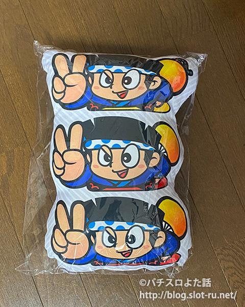 【ダイカットクッション】ハナビ-3連ドン:写真